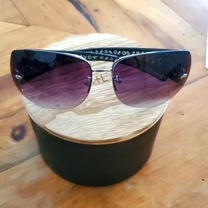 Guess Sunglasses with Pouch